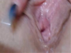 Camgirl Emma punishes her pussy and squirts
