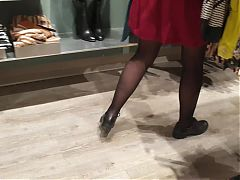 My wife in sucks cock in mall dressing room