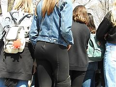 sexy teen ass watching performers