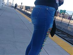 SlimThick Phat Bubble Ebony youngin in Jeans