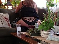 Young boytoy comes over to fuck!